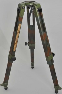 Camouflage Tripod Franz Bagyi Edition For 75 mm Leveling Unit - Picture 1